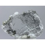Гипс, актинолит, гематит, м-ние Куржункуль, Сев. Казахстан, 80х50х7 мм.