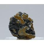Манганит, кварц, м-ние Куржункуль, Сев. Казахстан, 25х25х15 мм.