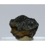 Манганит, кварц, м-ние Куржункуль, Сев. Казахстан, 20х20х10 мм.