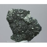 Магнетит, клинохлор, м-ние Куржункуль, Сев. Казахстан, 45х55х15 мм.