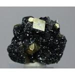 Гематит, пирит, Куржункуль, Сев. Казахстан, 45х35х25 мм.