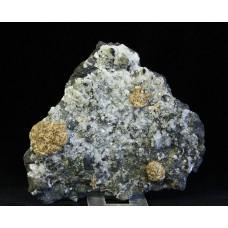 Стеллерит, кальцит, магнетит, м-ние Соколовское, Сев. Казахстан