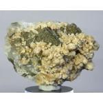 Стильбит, кальцит, пирит, м-ние Соколовское, Сев. Казахстан, 87х64х35 мм.