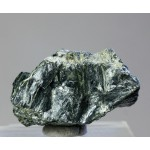 Хлоритоид, м-ние Иртяшское, Челябинская область, 35х20х25 мм.