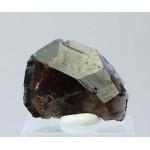 Аксинит, м-ние Пуйва, Приполярный Урал, 40х28х8 мм.