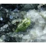 Титанит, рутил, клинохлор, м-ние Сарановское, Пермский край, 50х32х22 мм.